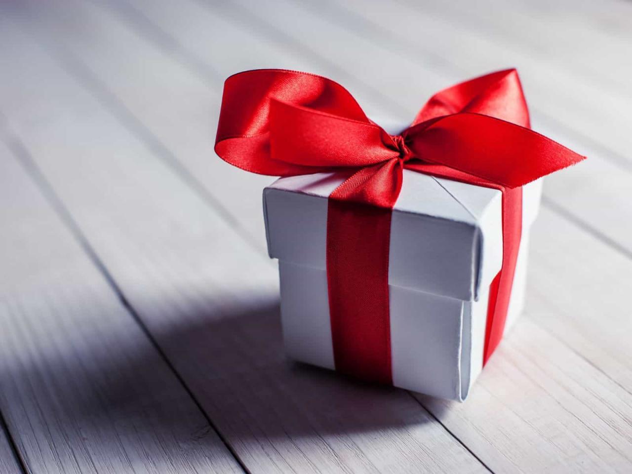 صورة كلام عن هديه , كلمات و عبارات عن الهدايا