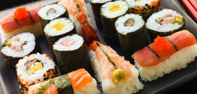 صورة طريقة عمل السوشي بالصور , تحضير السوشي بالمنزل