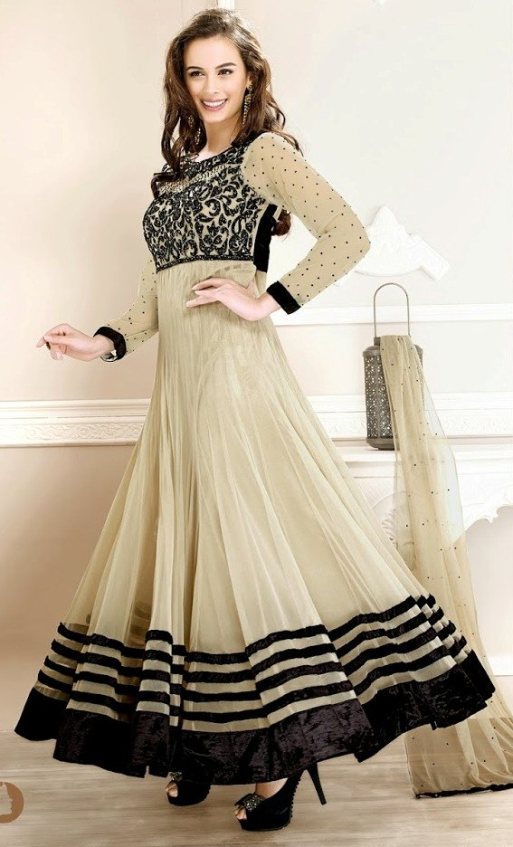 صورة الملابس الهندية للمحجبات , اجمل تصاميم لملابس الهنود