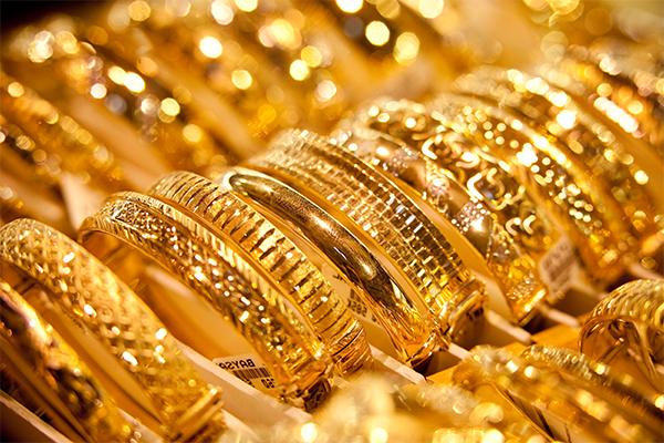 صورة تفسير حلم الذهب للبنت الغير متزوجه , لبس الذهب بالمنام
