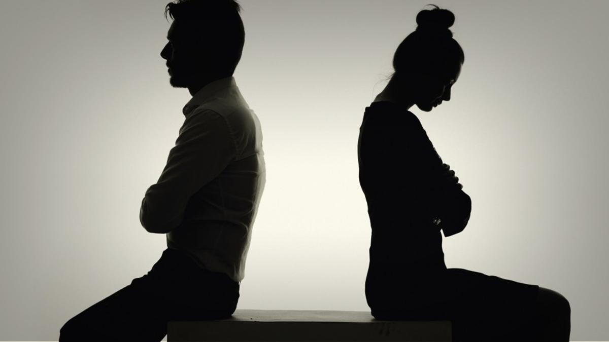صورة احب زوجي ولكن اريد الطلاق , مشاكل الطلاق برغم الحب
