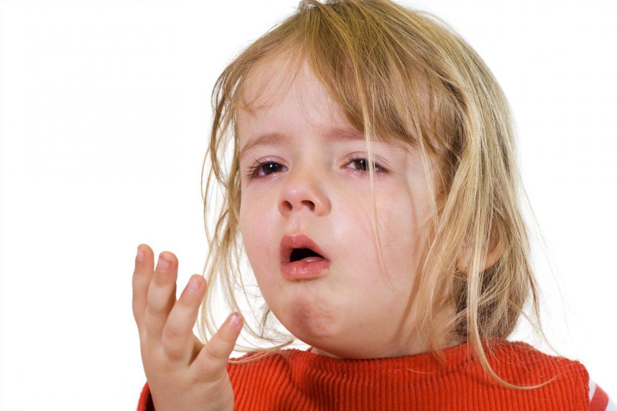 صورة اسباب الكحة عند الاطفال , تابع صحة طفلك