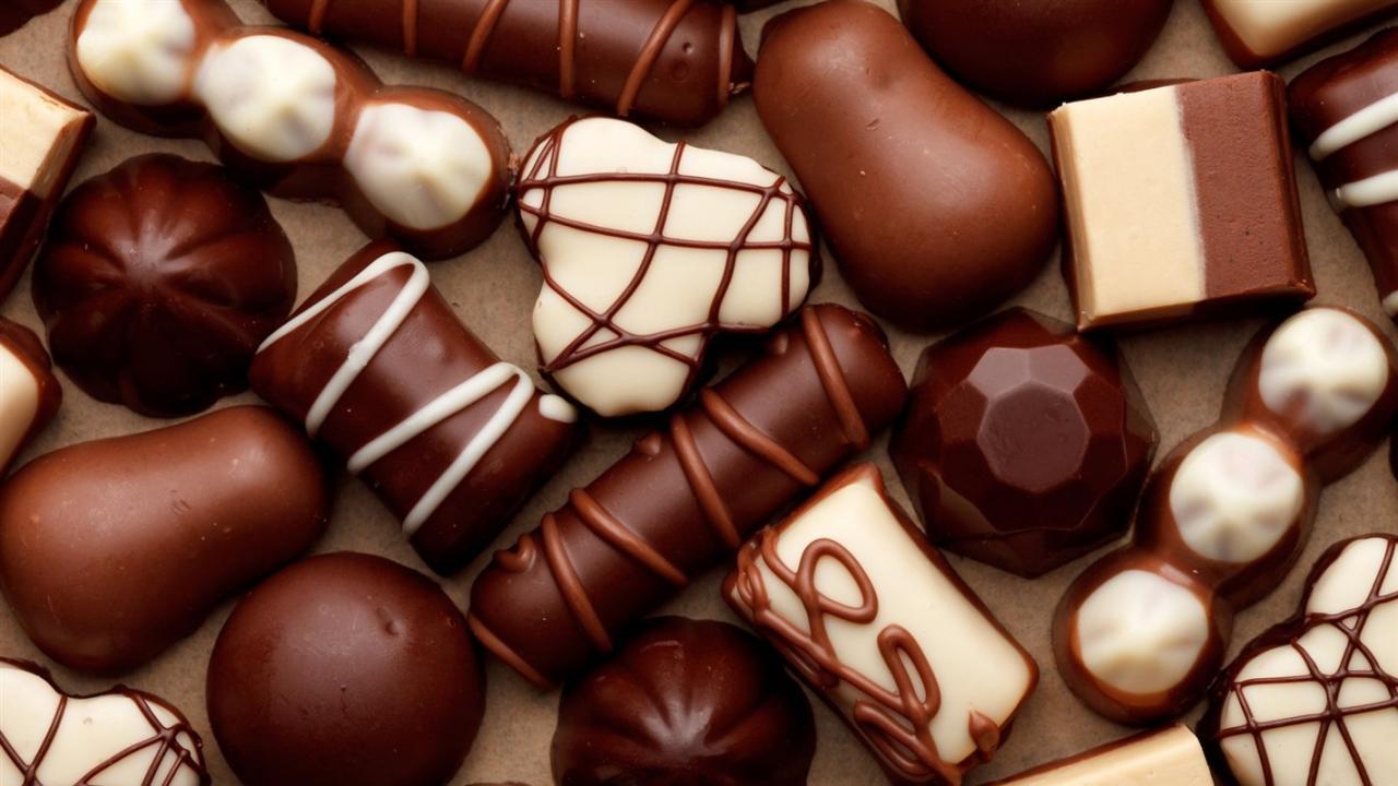 صورة تفسير اكل الحلوى في المنام , دلالة اكل الحلوي في الحلم 3555 2