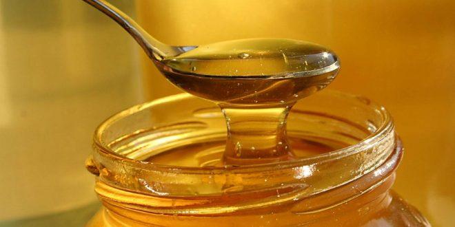 صورة فوائد عسل النحل للشعر , مع عسل النحل شعرك هيتحول تماما
