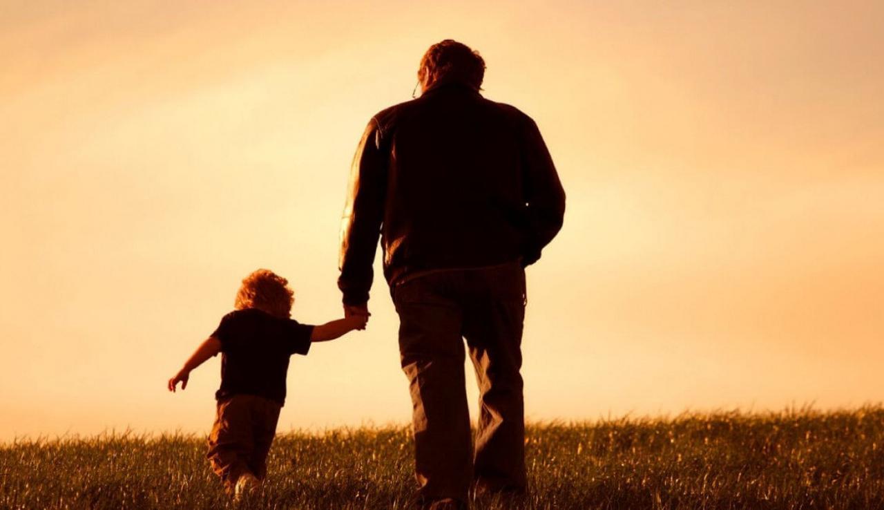 صورة اجمل الصور والعبارات عن الاب , اعذب وارق الكلمات عن حنان الاب