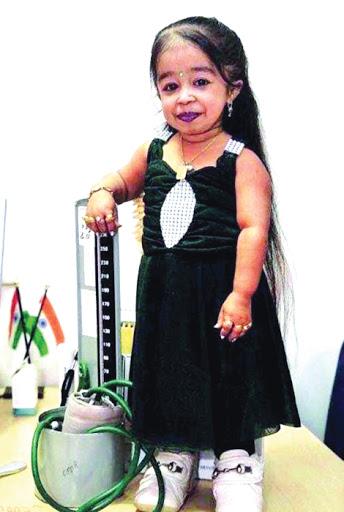 صورة اقصر امراة في العالم , معقول ده طول أقصر فتاة فى العالم 334 1