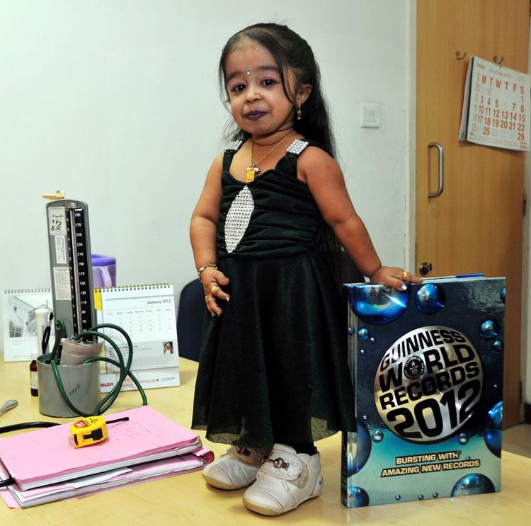 صورة اقصر امراة في العالم , معقول ده طول أقصر فتاة فى العالم 334 7
