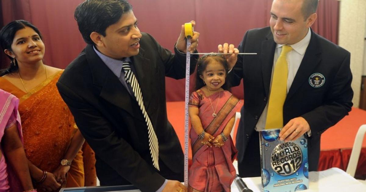 صورة اقصر امراة في العالم , معقول ده طول أقصر فتاة فى العالم